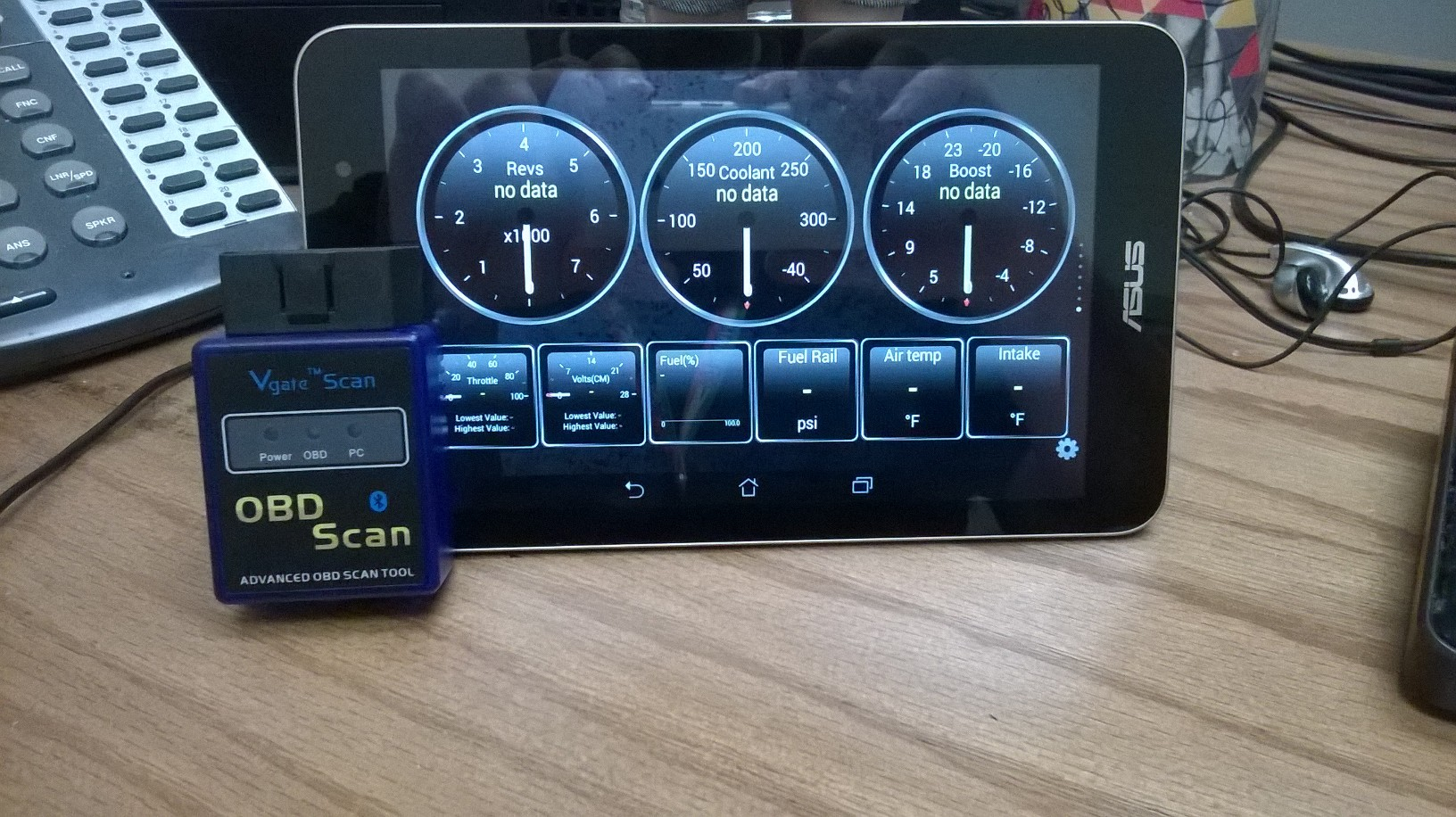 Name:  tablet and mont 2.jpg Views: 1567 Size:  472.7 KB
